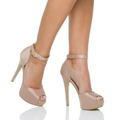 Did I mention how much I love the ankle strap?