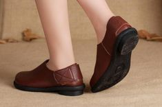 Handmade Flat Shoes for Women, Casual Brown Shoes, Soft Shoes, Leather Shoes More Shoes: https://www.etsy.com/shop/HerHis?ref=shopsection_shophome_leftnav ♥♥♥♥♥♥If you do not know which size you need to choose, please tell me the size you usually wear in your country or the length of your