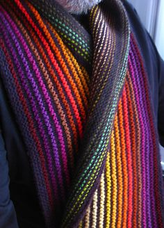 Free pattern: Ridge and Furrow Scarf by Sue Grandfield #MiniSkeinMonday