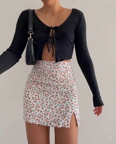 Basic Fashion Tips .Basic Fashion Tips Teen Fashion Outfits, Mode Outfits, Retro Outfits, Girly Outfits, Cute Casual Outfits, Skirt Outfits, Look Fashion, 90s Fashion, Stylish Outfits