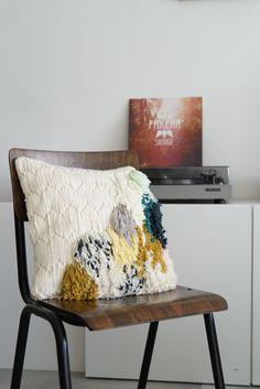 Canvas latchooking // Canevas Point Noué by Julie Robert