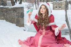 This Winter Belle Cosplay Is So Cooooool Belle Cosplay, Disney Cosplay, Disney Costumes, Cosplay Outfits, Cosplay Girls, Cosplay Costumes, Cosplay Ideas, Halloween Cosplay, Halloween Costumes