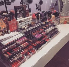 My sis has a makeup collection like this