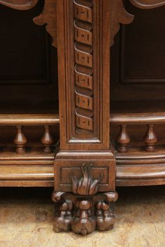 Exceptional renaissance style cabinet in walnut - Cabinets - Houtroos
