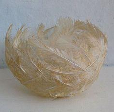 Gill Wilson produces handmade paper using natural plant fibers as raw material … « Diy Decoration 2019 Paper Mache Bowls, Paper Bowls, Feather Crafts, Feather Art, Diy And Crafts, Arts And Crafts, Paper Crafts, Boho Dekor, Plant Fibres