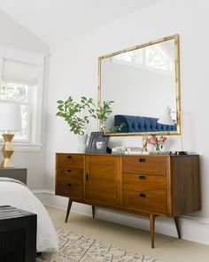 Bright and Trendy Mid Century Modern Bedroom Decor Ideas