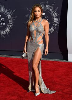Jennifer Lopez at the 2014 MTV VMAs.