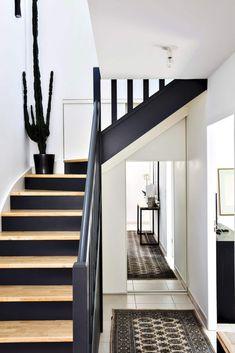 Interior Stairs, Home Interior Design, Interior Architecture, Home Upgrades, Modern Staircase, Staircase Design, Placard Design, Flur Design, Casa Patio