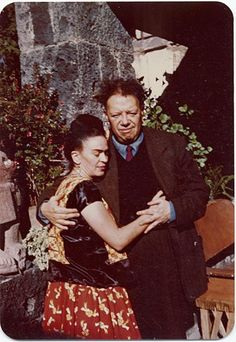 Frida Kahlo and Diego Rivera in Coyoacan Mexico in 1948 January 24 Frida E Diego, Diego Rivera Frida Kahlo, Natalie Clifford Barney, Mexican Artists, Mexican Folk Art, Famous Artists, Great Artists, Freida Kahlo, Frida Kahlo Portraits