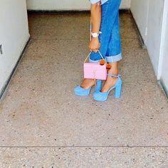 New Blogpost . Détails sur  WWW.SILENCEBRISE.COM  #styles #love #inspiration #inspo #black #outfits #blackgirlkillingit  #modeuse  #newlook #braidideas  #look #like4follow #like4like #fashion #style  #fashionbloggers #face #bbloggers #follow #life #lifestyle #followme #Outfitoftheday #blogmode #blogueusemode  #fashionblog  #africanfashionbloggers #selfie