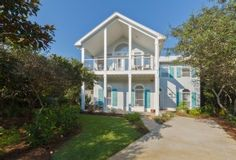 Perfect Circle - 4 Bedroom home just steps from beach