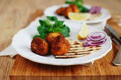 FoodLover: Únor bez masa - týden první a falafel Falafel, Baked Potato, A Food, Potatoes, Meat, Chicken, Baking, Ethnic Recipes, Drink