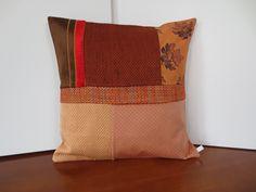 Housse coussin déco d' automne en patchwork : Textiles et tapis par michka-feemainpassionnement