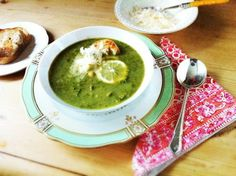 Kale and Chickpea Soup with Lemon makes a lovely meal for Phase 1 (saute in broth instead of oil) or Phase 3. Serve with toasted sprouted-grain bread. #fastmetabolism Sprouted Grain Bread, Chickpea Soup, How To Cook Chicken, Cooked Chicken, Metabolic Diet, Detox Soup, Fast Metabolism, Lemon Recipes, Palak Paneer