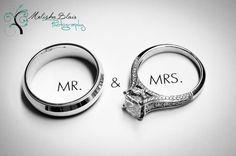 Cute idea for a ring shot. Beautiful website & photographer.