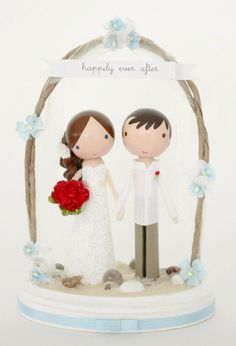 custom beach wedding cake topper - love the arch