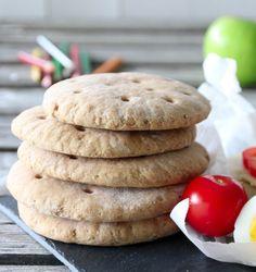POLARBRØD V. 2.0 | TRINES MATBLOGG Savoury Baking, Bread Baking, Bread Rolls, Granola, How To Stay Healthy, Food Inspiration, Baked Goods, Scones, Nom Nom