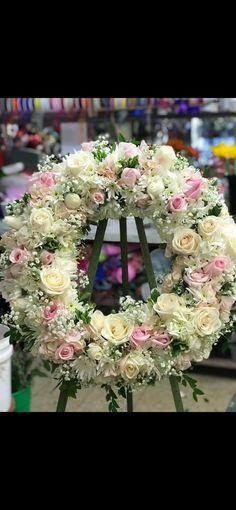 Floral Design, Floral Wreaths, Flowers, Home Decor, Crowns, Funeral Arrangements, Flower Crowns, Decoration Home, Room Decor