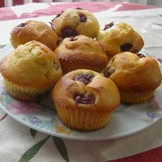 Egy finom Meggyes muffin (gluténmentes)  ebédre vagy vacsorára? Meggyes muffin (gluténmentes)  Receptek a Mindmegette.hu Recept gyűjteményében!