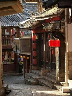 Lijiang Ancient Town - With every winding street corner equally gorgeous, I ended up picking a picture, almost at random, - Chinese Buildings, Ancient Chinese Architecture, China Architecture, Ancient Buildings, Japanese Architecture, Lijiang, Chinese Culture, Chinese Art, Great Buildings And Structures