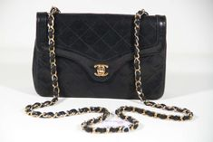 5161e910fa09 CHANEL Black Quilted Leather SHOULDER BAG Purse CROSS BODY w/ Chain Strap.  OPHERTY & CIOCCI · CHANEL Vintage