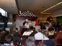Tino Helguera en una de las catas del obrador del VI Salón del Chocolate de Madrid en Moda Shopping. @Chocoadictos.