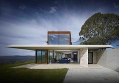 peter stutchbury's 'Iinvisible' house in the blue mountains, west of sydney, australia. photo - michael nicholson.