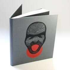 Caderno capa dura estampa feita em serigrafia tamanho: 16x18cm miolo: cor creme s/pauta