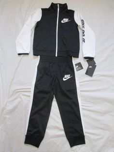 1141c623165d4a Nike Boys Tracksuit 2 Piece Set Sizes 4 and up Brand New with Tags 86C626  New