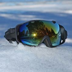 Make sure to snag a pair of Cyclopsgear's 720P HD Avalanche #Snow goggles before #winter is totally gone! Toggle between video, audio and camera mode while shooting at a 136 degree wide angle to capture all the #action. Lenses are impact-resistant and 100% UV protected - did we mention they're also water resistant to 3m/9ft? ✌ #Summeriscoming so make sure to capture all your winter moments easily before it's too late.  #RECORDLIFE #Active #Photography #Snowboard #Ski #Snowmobile #braap…
