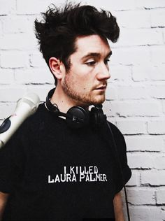 two perfect things in one picture - Dan Smith and Twin Peaks