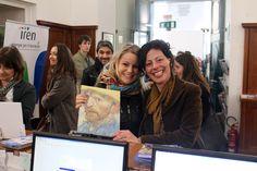 """Laura e Sofia, visitatrici numero 200.000 della mostra """"Dagli Impressionisti a Picasso"""""""