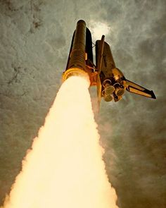 The NASA Space Shuttle during the initial SRB burn sequence of takeoff. Cosmos, Space Rocket, Air Space, Carl Sagan, Sistema Solar, Space And Astronomy, Space Program, Space Station, Space Shuttle