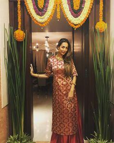 "97.4k Likes, 439 Comments - Malaika Arora Khan (@malaikaarorakhanofficial) on Instagram: ""Happy Diwali ...love n prosperity always #myhome"""
