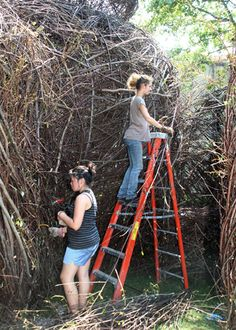 Volunteers add the final details as the sculpture nears completion. | Room by Room: A Stickwork Sculpture by Patrick Dougherty