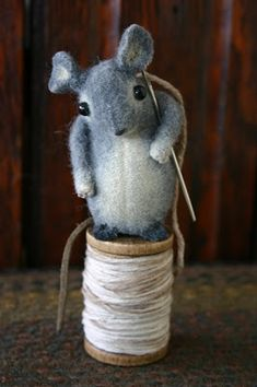 Susan Pilotto is a mixed-media artist who specializes in creating one of a kind miniature animals from recycled wool felt fabric. Sewn Christmas Ornaments, Needle Cushion, Wool Felt Fabric, Mouse Crafts, Prize Giveaway, How To Make Toys, Felt Mouse, Cute Mouse, Felt Art