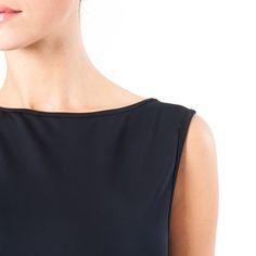 Slevess Dress http://www.wearessential.com/en/home/47-tubino-multiuso.html