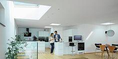 Παράθυρα Στέγης Velux- επίπεδης οροφής Office Desk, Furniture, Home Decor, Desk Office, Decoration Home, Desk, Room Decor, Home Furnishings, Home Interior Design