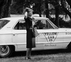 "Film still from ""Hush.Hush, Sweet Charlotte"", before Joan Crawford was replaced by Olivia DeHavillind. Hollywood Cinema, Vintage Hollywood, Classic Hollywood, Joan Crawford, Hush Hush Sweet Charlotte, Hair Test, Baby Jane, Olivia De Havilland, Bette Davis"