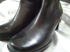 CLARKS ANKLE BOOTS BLACK LEATHER SIDE ZIP WOMENS 8 M NEW #Clarks #FashionAnkle
