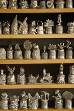 Antiques Collectibles | Antiques and Collectibles: Fit for a Finger - Thimble Collection ...http://pinterest.com/pin/226235581257267871/