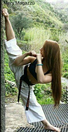 Sexy female karate stars — photo 15