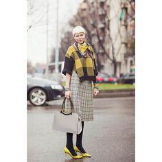See more street style looks of Elisa Nalin here! High Street Fashion, Paris Fashion, Tomboy Fashion, Fashion Outfits, Elisa Nalin, Tomboy Stil, Forever 21 Outfits, Fashion Week 2018, Crop Top Outfits