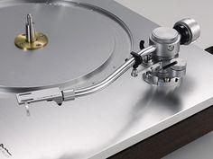 Luxman PD-171 record player