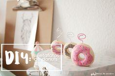 DIY - Sujetafotos donuts | Handbox Craft Lovers | Comunidad DIY, Tutoriales DIY, Kits DIY