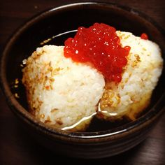 Anything with salmon roe! いくら茶漬け Vietnamese Recipes, Filipino Recipes, Indian Food Recipes, Asian Recipes, Salmon Roe, Cantonese Food, Asian Soup, Food Stall, Pork Belly