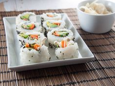 Recipe for a vegan Enoki California Roll - Inside-Out-Roll. With Enoki mushrooms, avocado and marinated carrots. [Includes a VIDEO if the written recipe is at all confusing]. Delicious Vegan Recipes, Healthy Recipes, Vegetarian Recipes, Vegan Blogs, Vegan Meals, Vegan Food, Healthy Foods, Yummy Food, California Roll Recipes