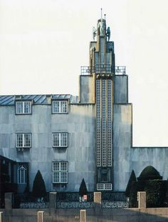 Josef Hoffmann (Austrian, 1870 – 1956) Stoclet Palace (Palais Stoclet), Brussels, 1905-1911  Designed in 1905, Stoclet Palace may be the first art deco building ever built. Hoffmann designed every room as a work of art, even asking Gustav Klimt to create custom masterpieces for the dining room. The house and grounds are frozen in time, in perfect original condition. Four elderly sisters own the palace, but they do not live there – and never allow visitors.