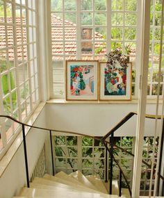 Simple and perfect décor: glass walls, nature and art. #green #decor #interior #design #details #simple #dream #casadevalentina