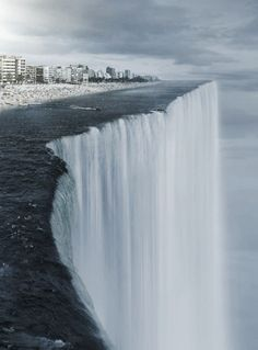 The Edge of the World. Just amazing. This campaign was developed by JWT, Spain. 'Where does your world end?'